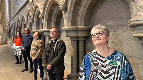 Teamet som genomför Linköpings dompastorats Bachmaraton. Från vänster: Alexandra Pilakouris, Elias Fergin, Sara Michelin, Christer Staaf och Marie-Louise Beckman. Foto: Royne Mercurio