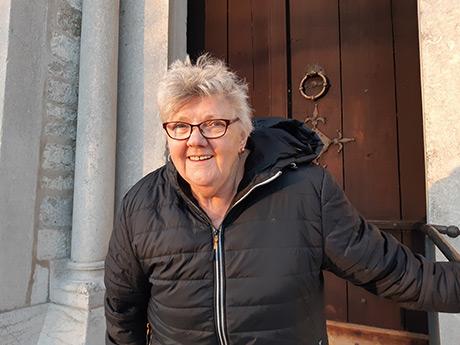 Åsa Karlsson har upplevt många körledare och skiftande repertoar i Gothemkören. Foto: Katarina Ridderstedt