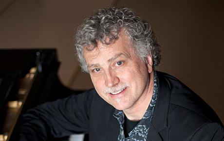 Jan Kenneth har liksom företrädaren Anders Klint arrangerat mycket populärmusik. Foto: Per Johansson