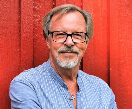 Per Harling har skrivit och översatt 1 200 sånger. I 1987 års psalmbok är 27 psalmer undertecknade med hans namn.